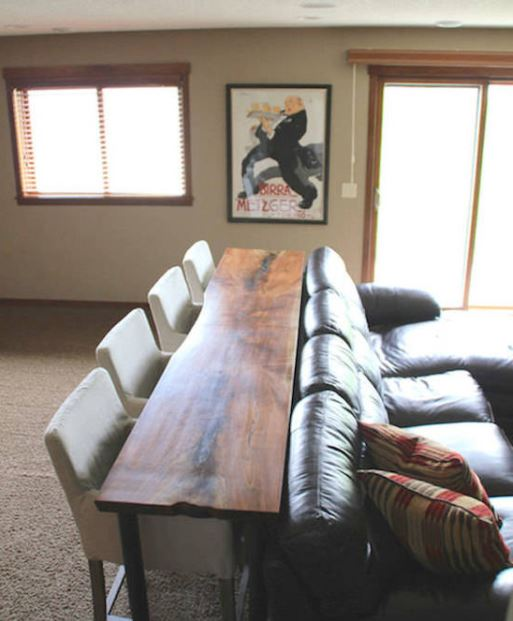 Table étroite pour coin salon